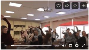 видео кадр зарядка на уроке физики